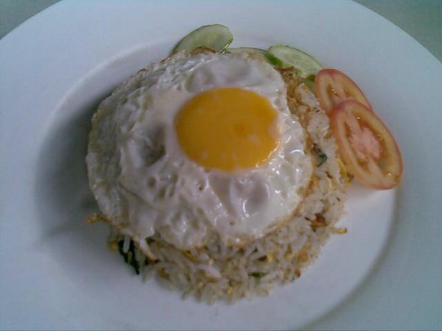 Fried rice with roast pork and egg