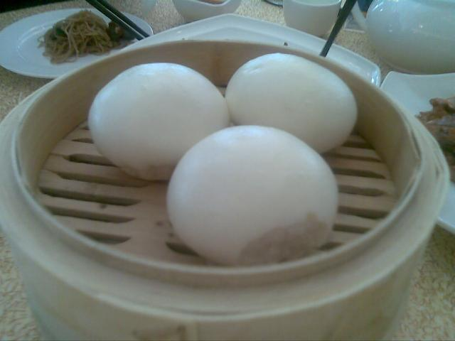 Steam bun with butter & salted egg filling